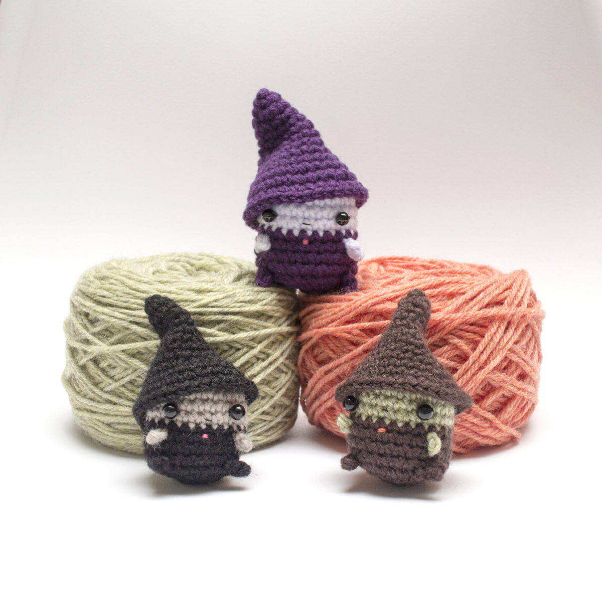 Tiny witch amigurumi pattern